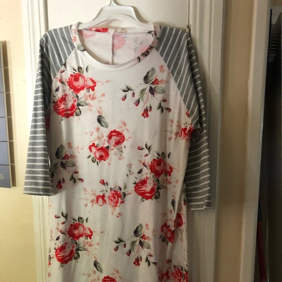 Dresses & Skirts - New floral baseball tee dress with striped sleeves